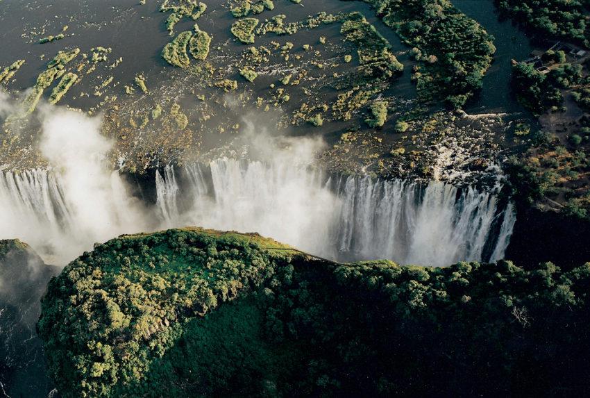 Victoria-Falls-Hero