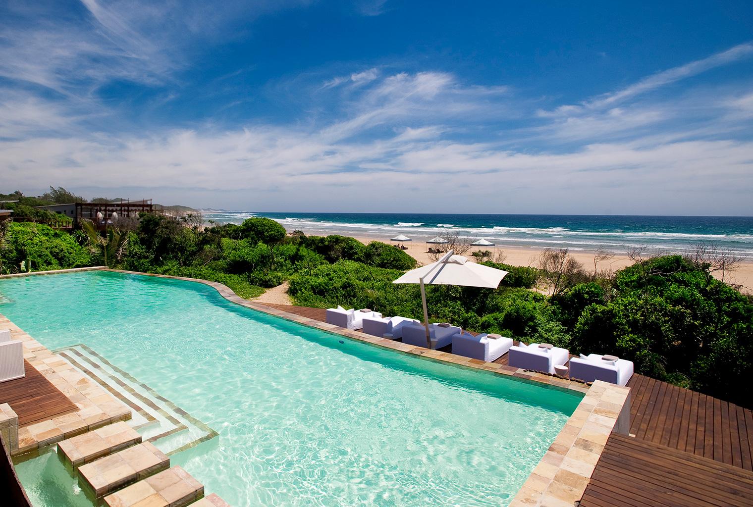 White-Pearl-Mozambique-Pool-Area