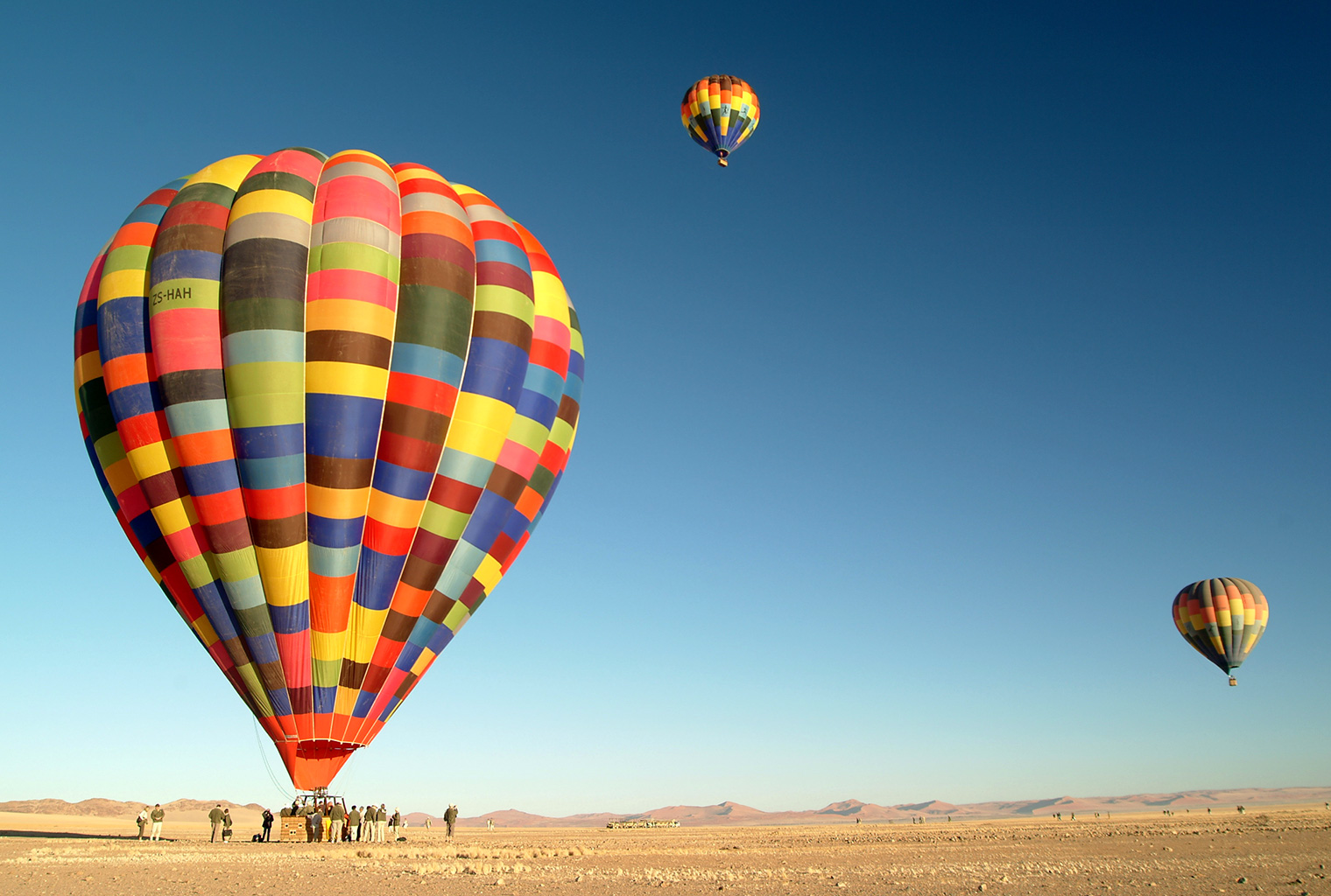 Wolwedans-Private-Camp-Namibia-Balloons