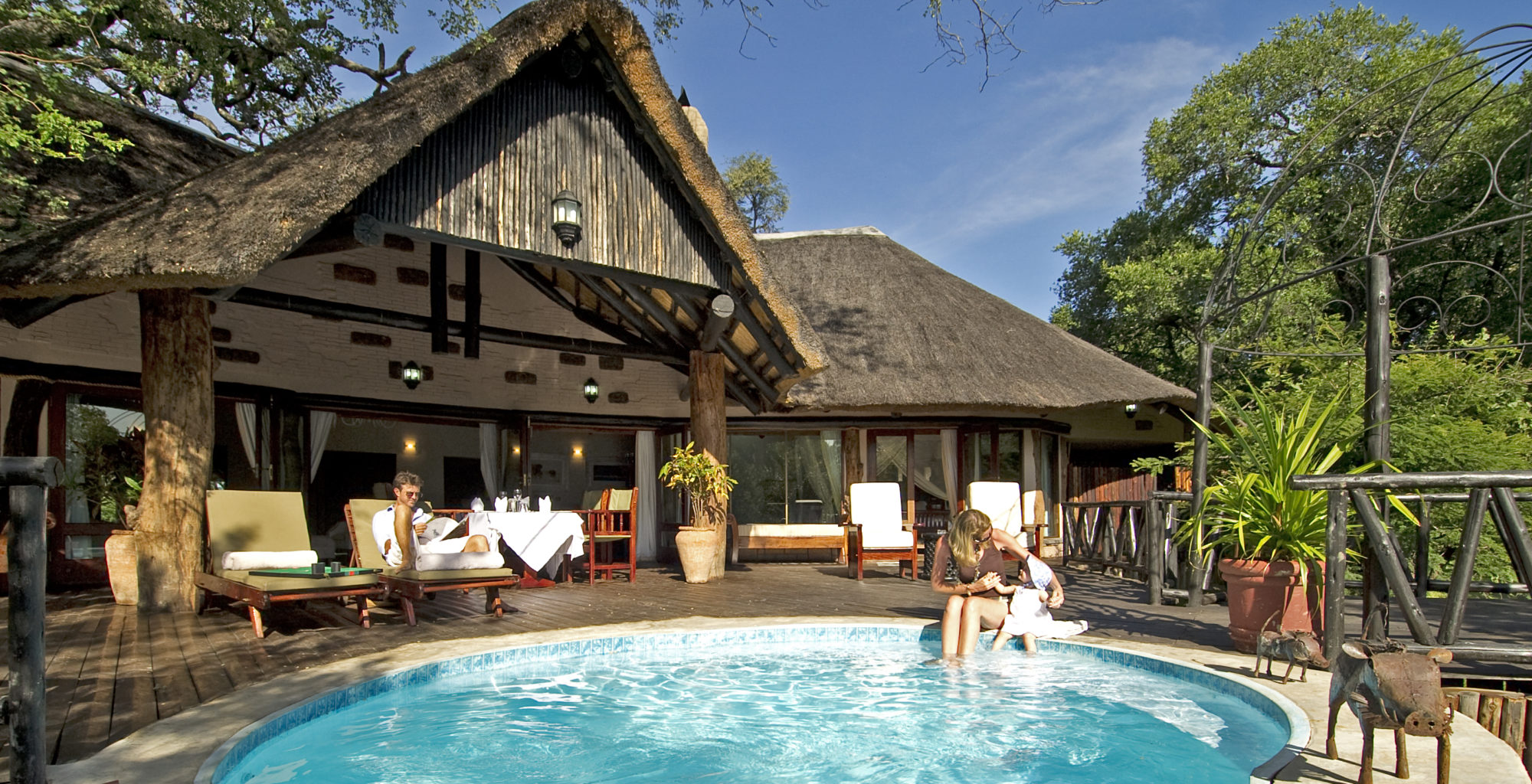 Sussi-and-chuma-zambia-pool
