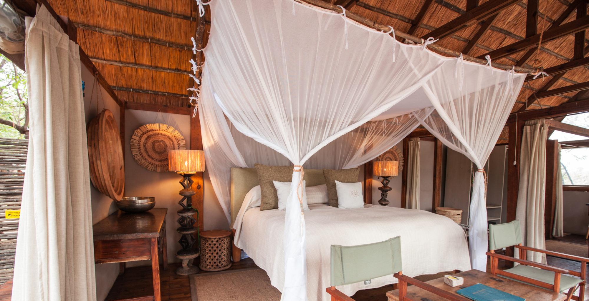 Sindabezi Island Camp bedroom