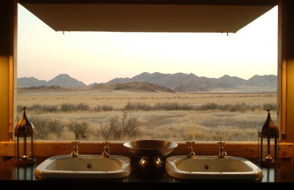 Wolwedans Dune Lodge Bathroom