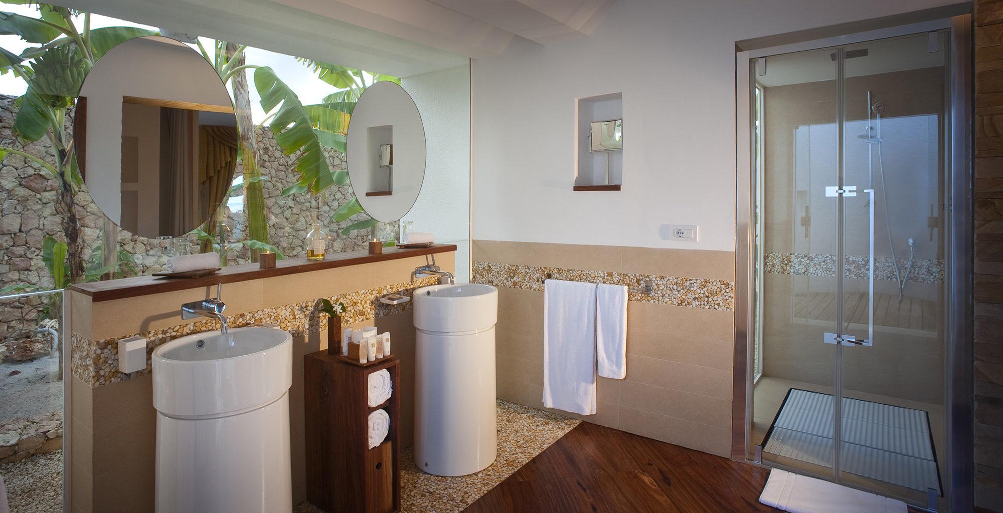 Tanzania-Star-of-the-East-Bathroom