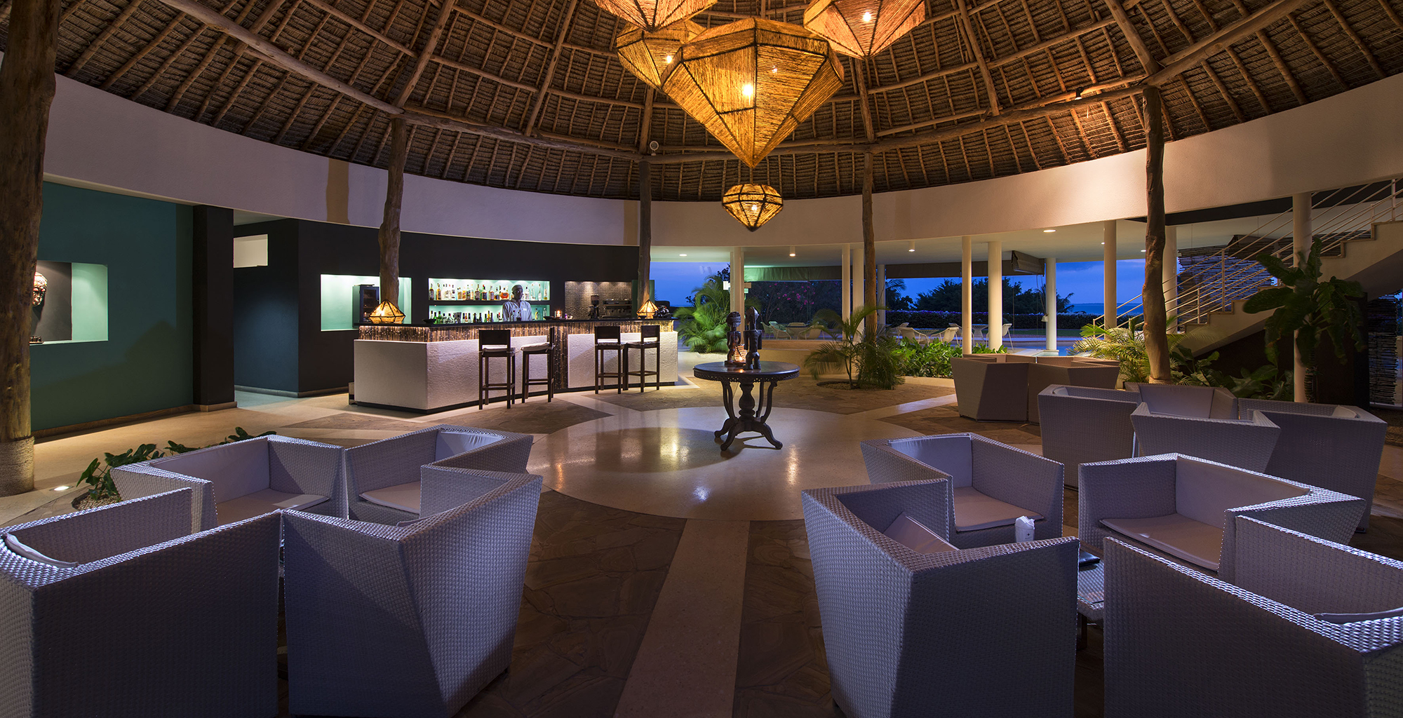 Tanzania-Star-of-the-East-Bar-Dining