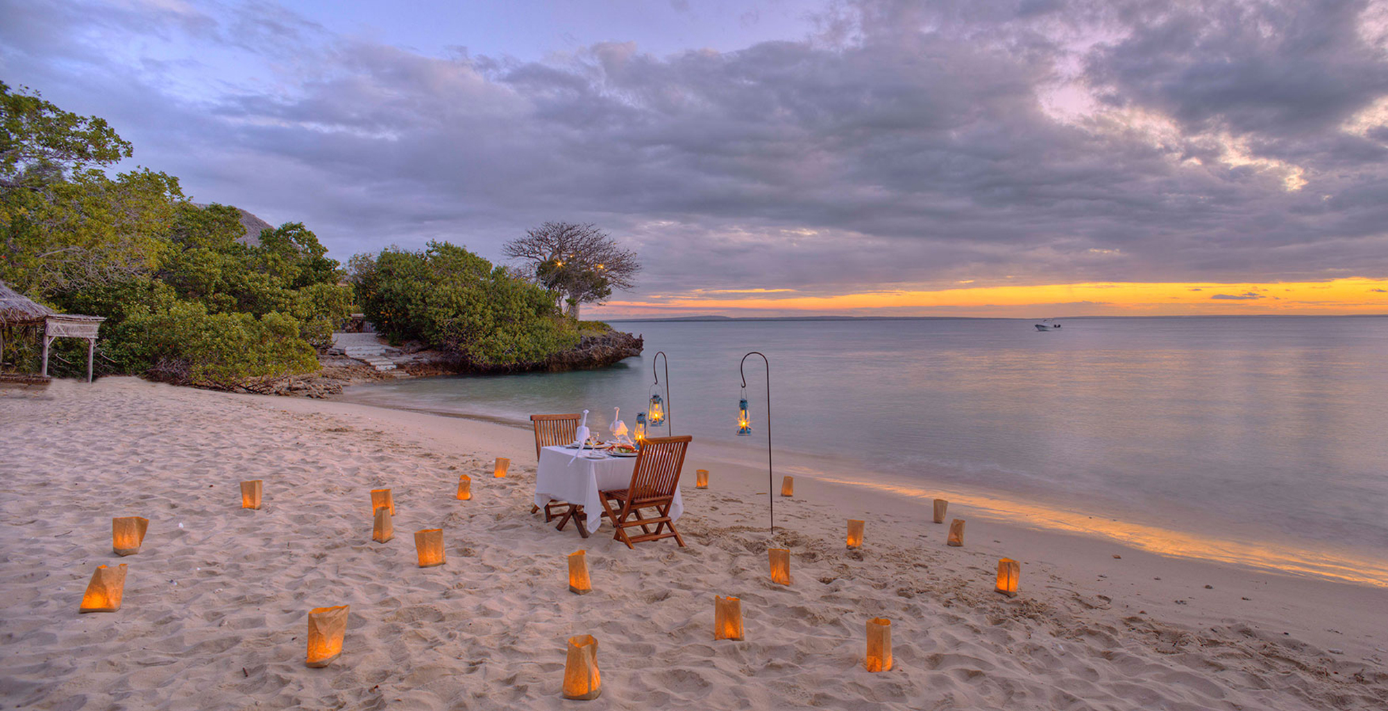 Mozambique-Azure-Quilalea-Beach-Dining