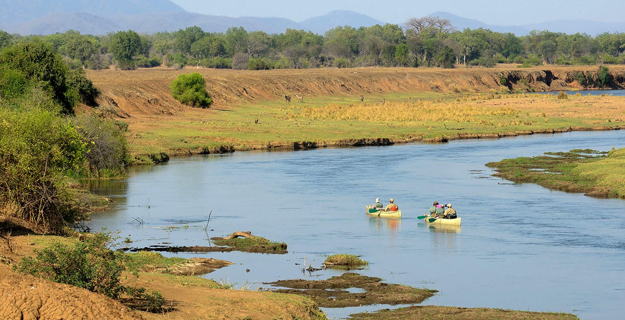 Zambia-Old-Mondoro-Canoe-Views