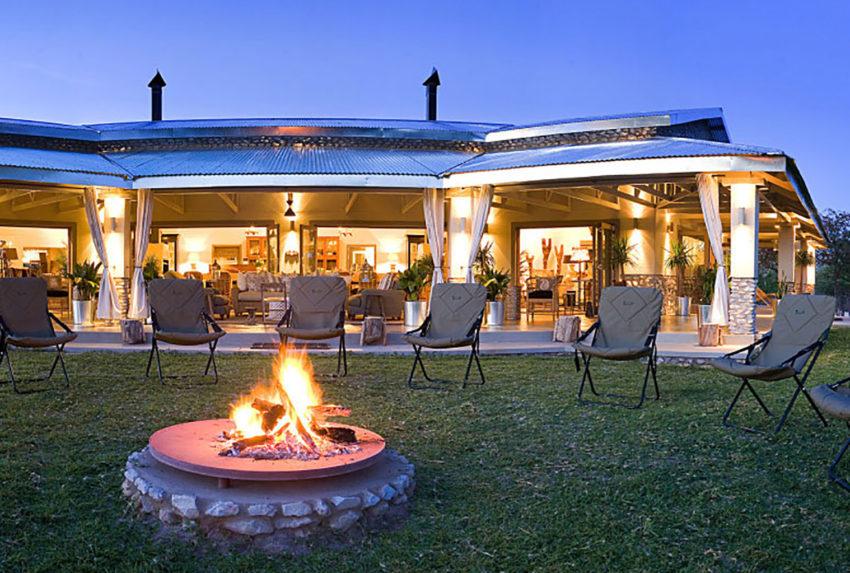 Namibia-Mushara-Outpost-Lodge-Fire