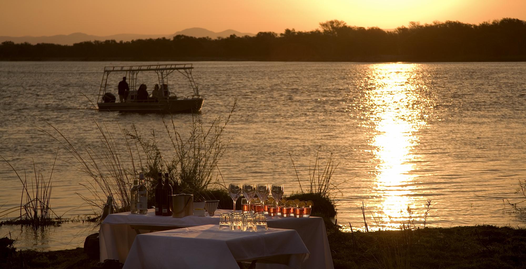 Zambia-Zambezi-Kulefu-Boating-Sunset