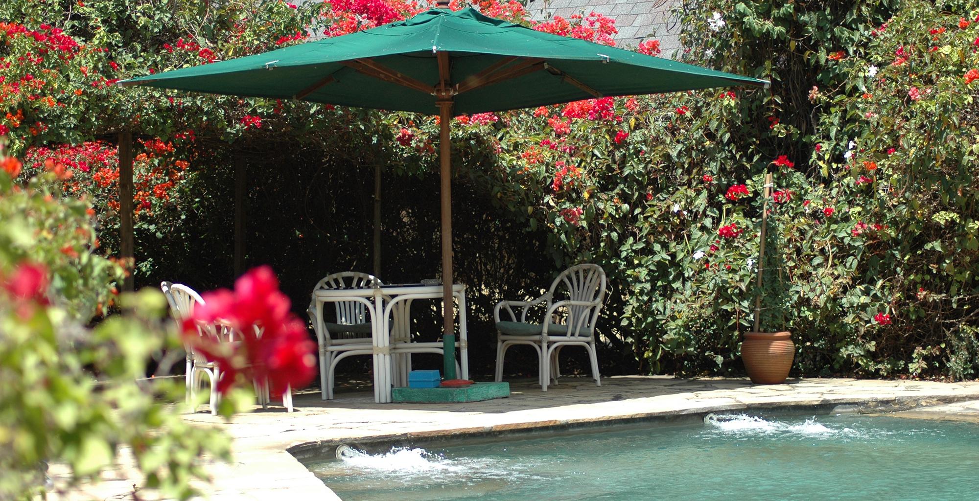Kenya-Mundui-House-Poolside