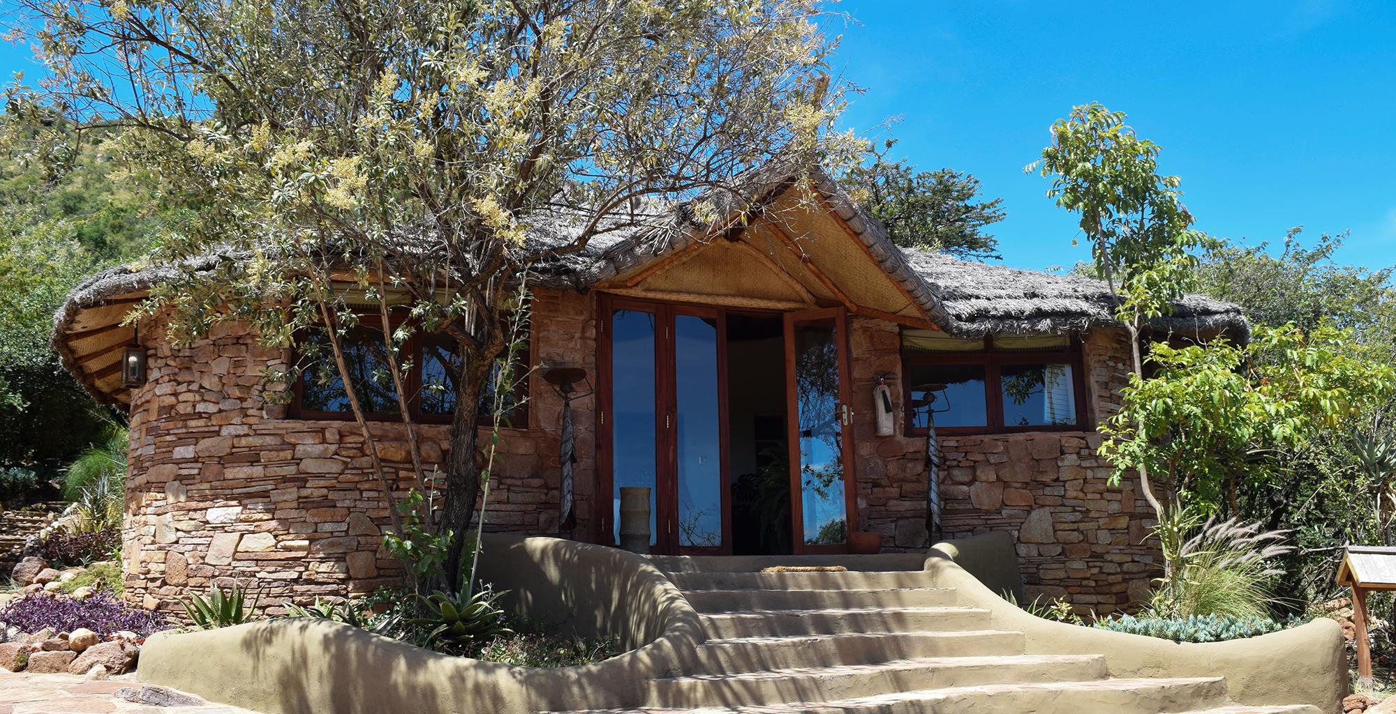 Kenya-Olarro-Lodge-Exterior