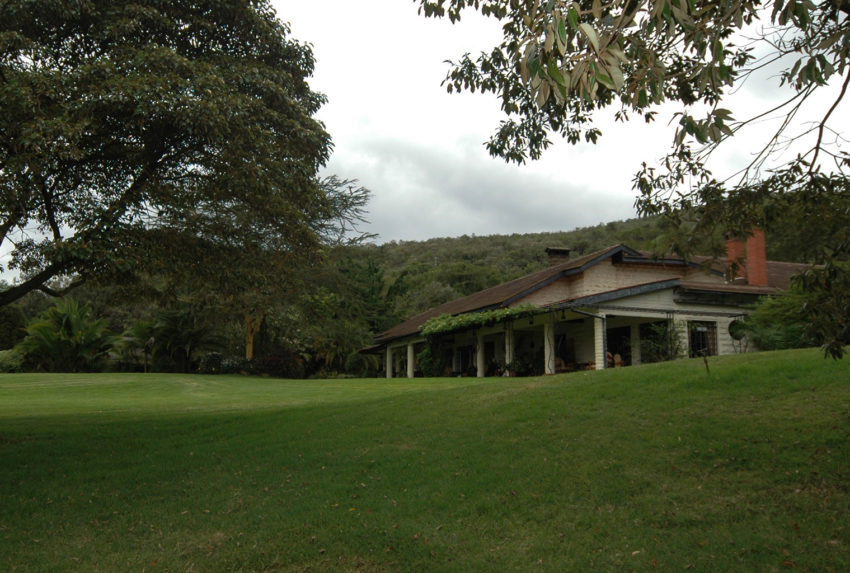 Kenya-Kiangazi-House-Exterior-Day