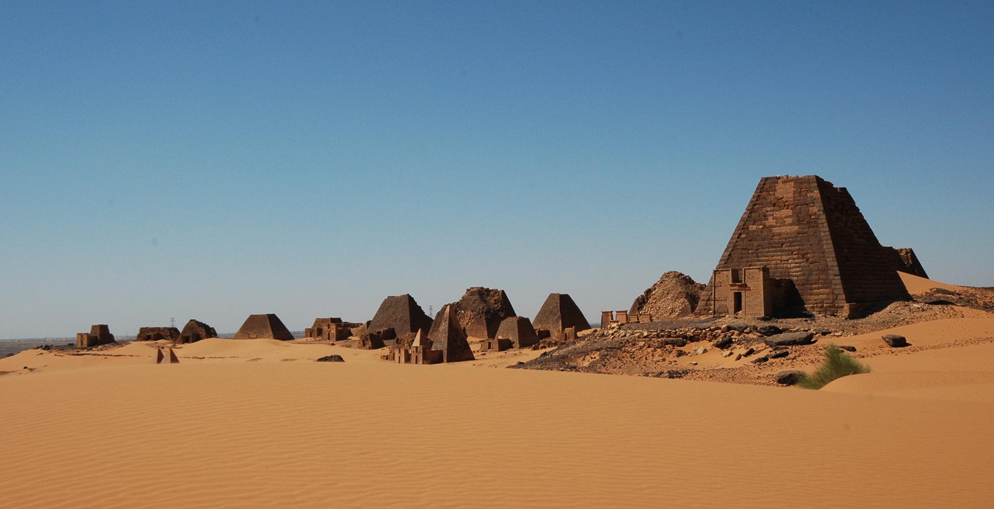 Sudan-Meroe-Tented-Camp-Architecture