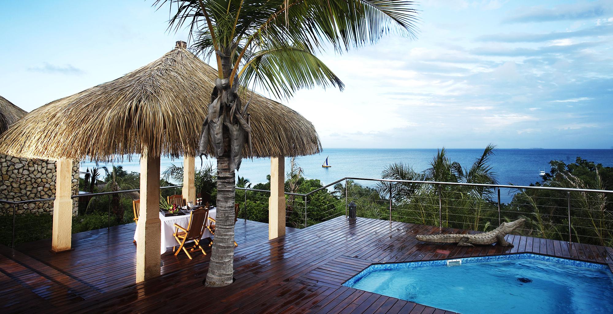 Mozambique-Bazaruto-Archipelago-Anantara-Swimming-Pool