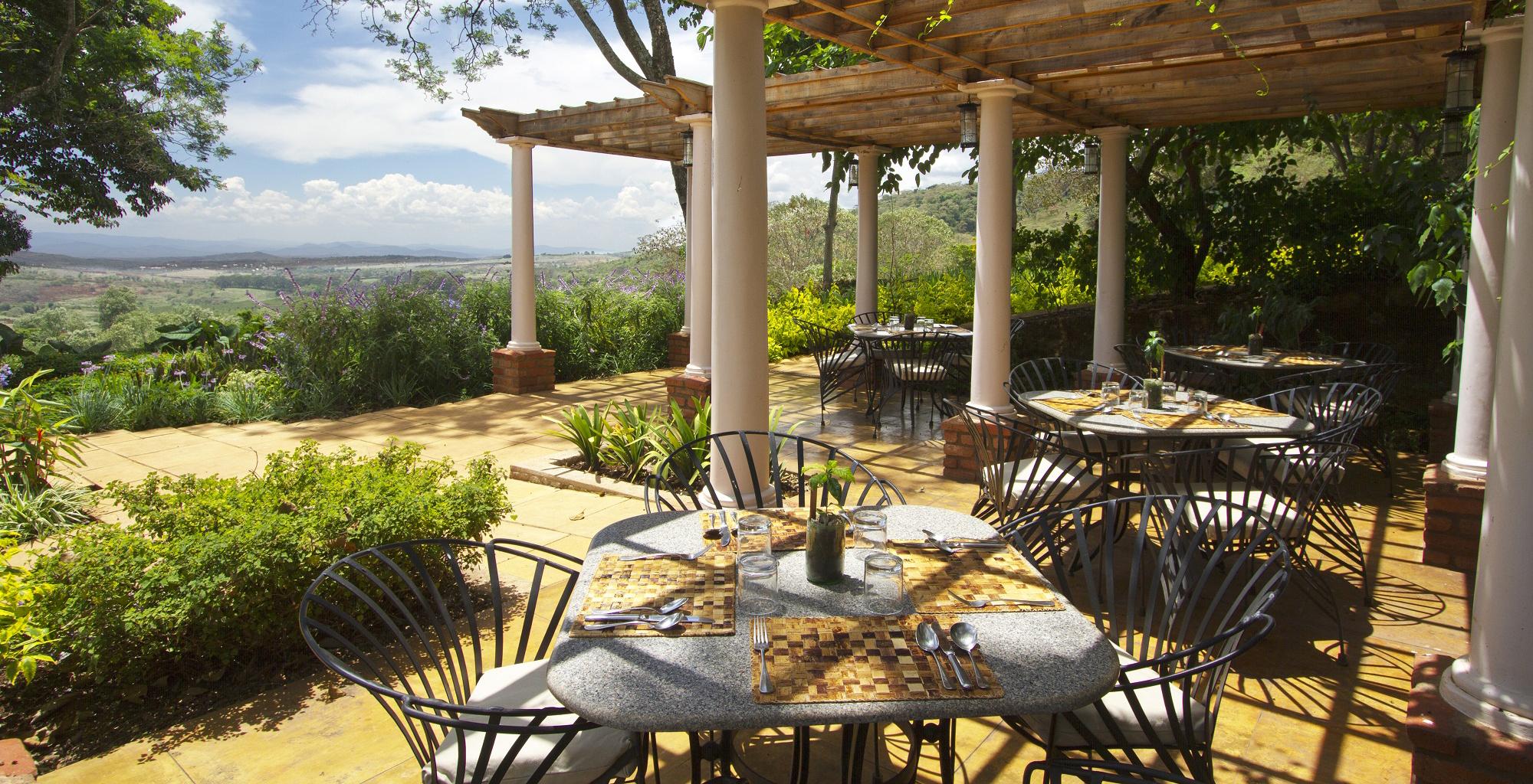 Tanzania-Gibbs-Farm-Dining