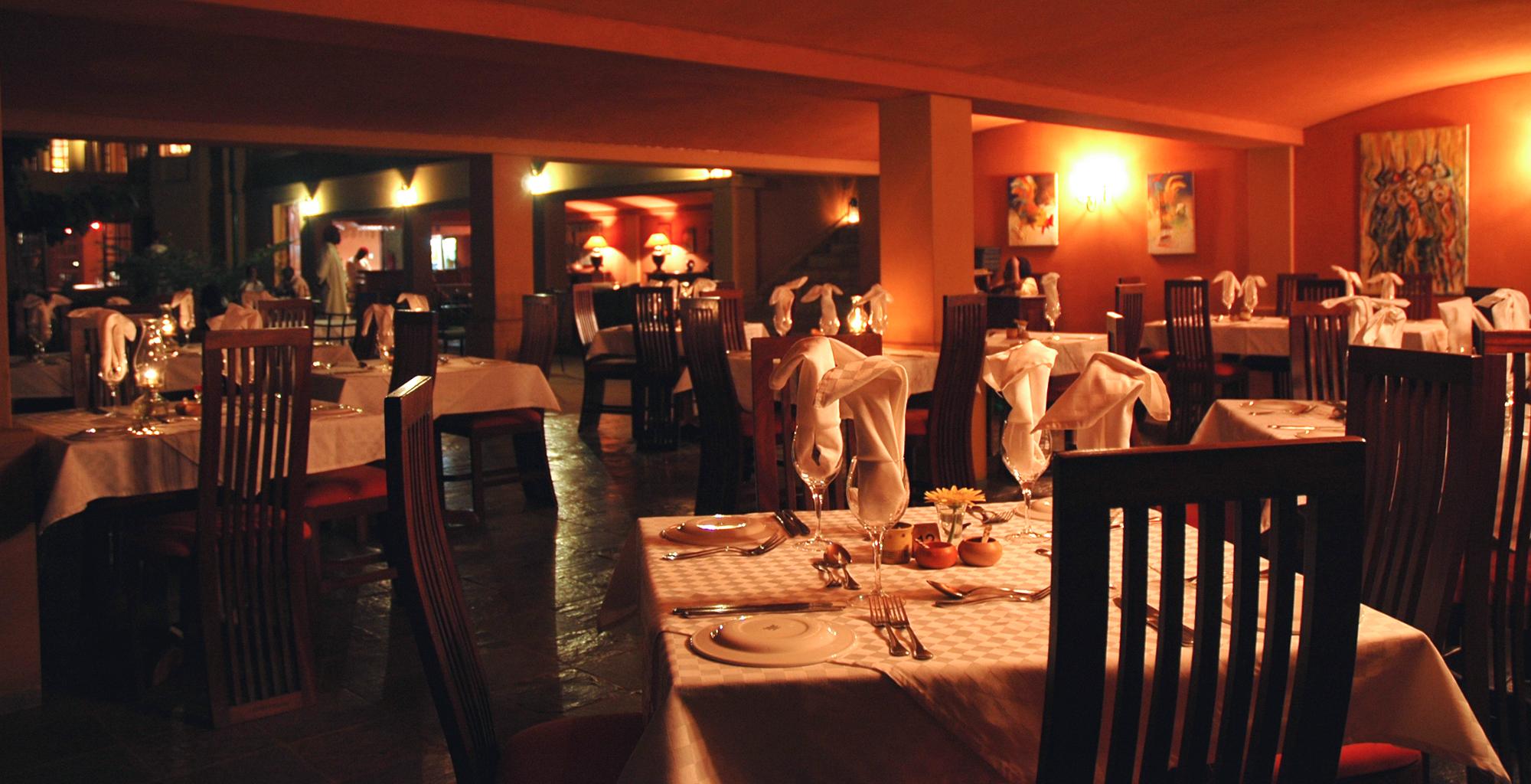 Uganda-Emin-Pasha-Dining