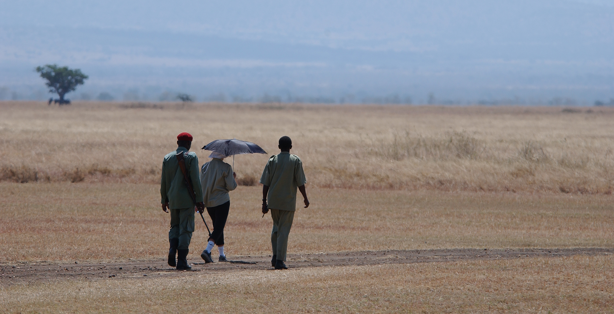 Tanzania-Grumeti-Reserves-Walking