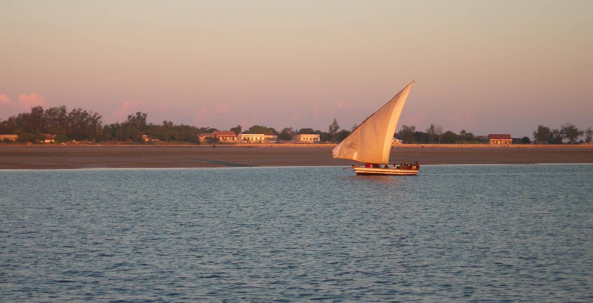 Mozambique-Quirimbas-Archipelago-Sailing-Dusk