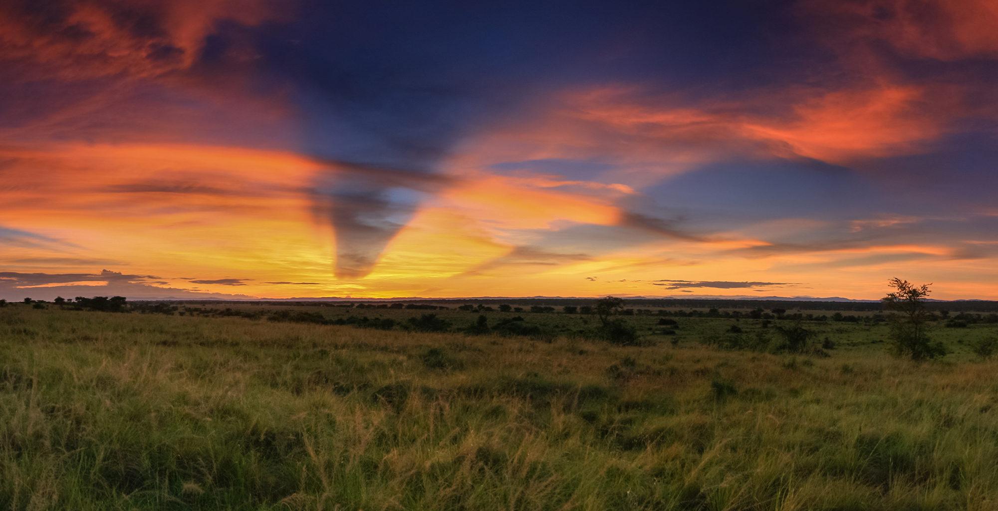 Uganda-Queen-Elizabeth-National-Park-Sunset