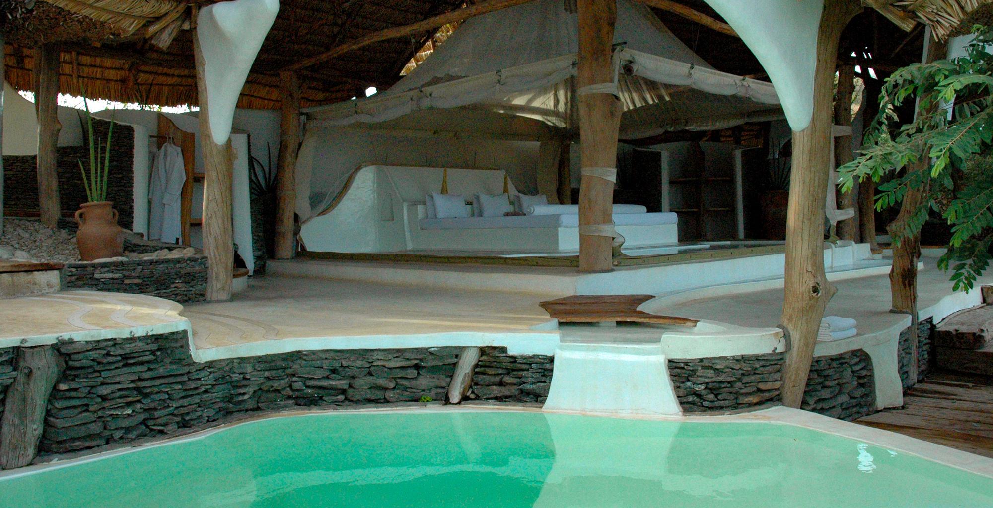 Kenya-Little-Shompole-Bed-Pool
