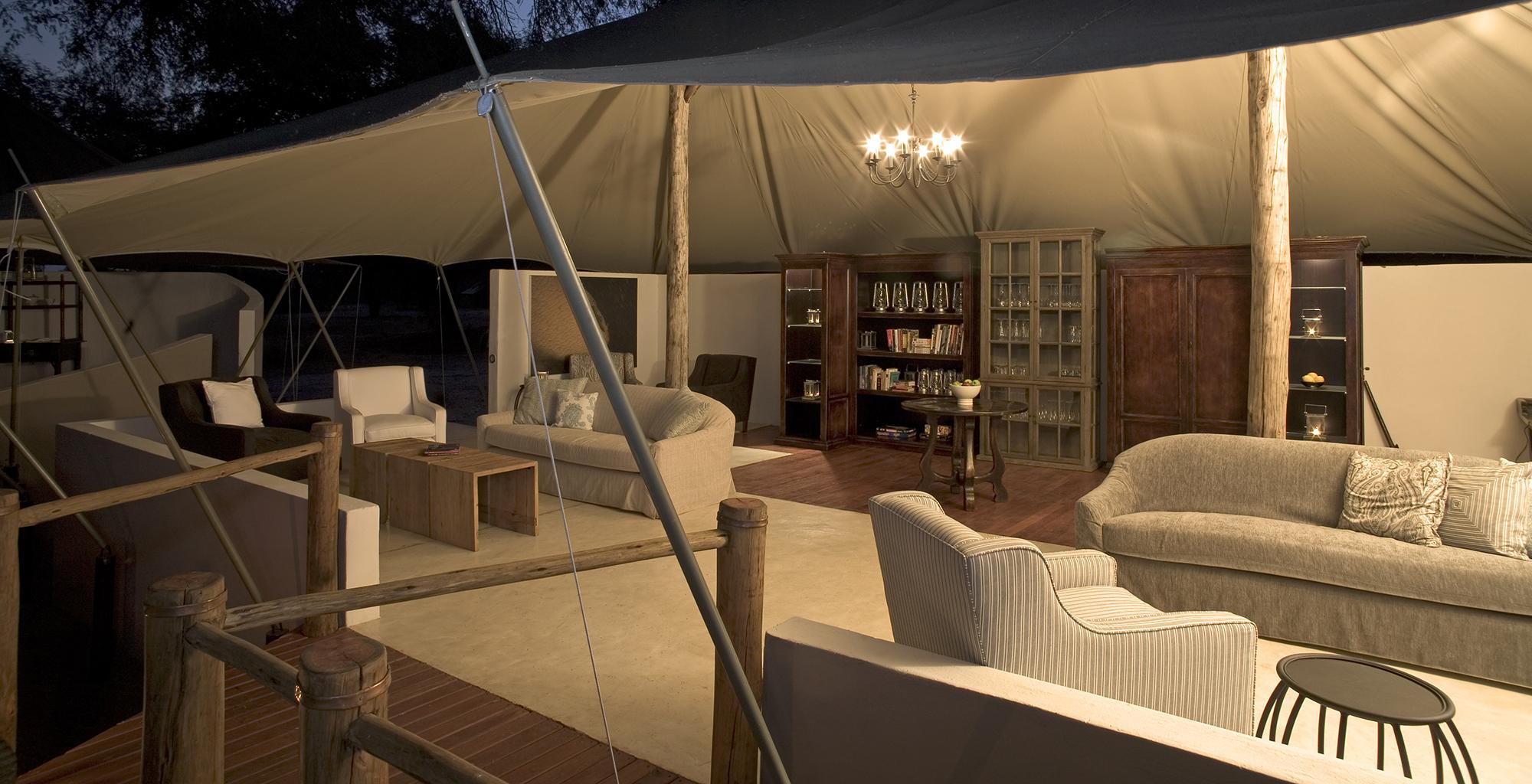 Zambia-Zambezi-Kulefu-Shared-Lounge