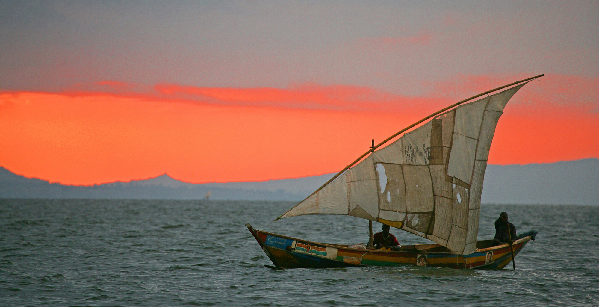 Uganda-Lake-Victoria-Sunset-Sailing