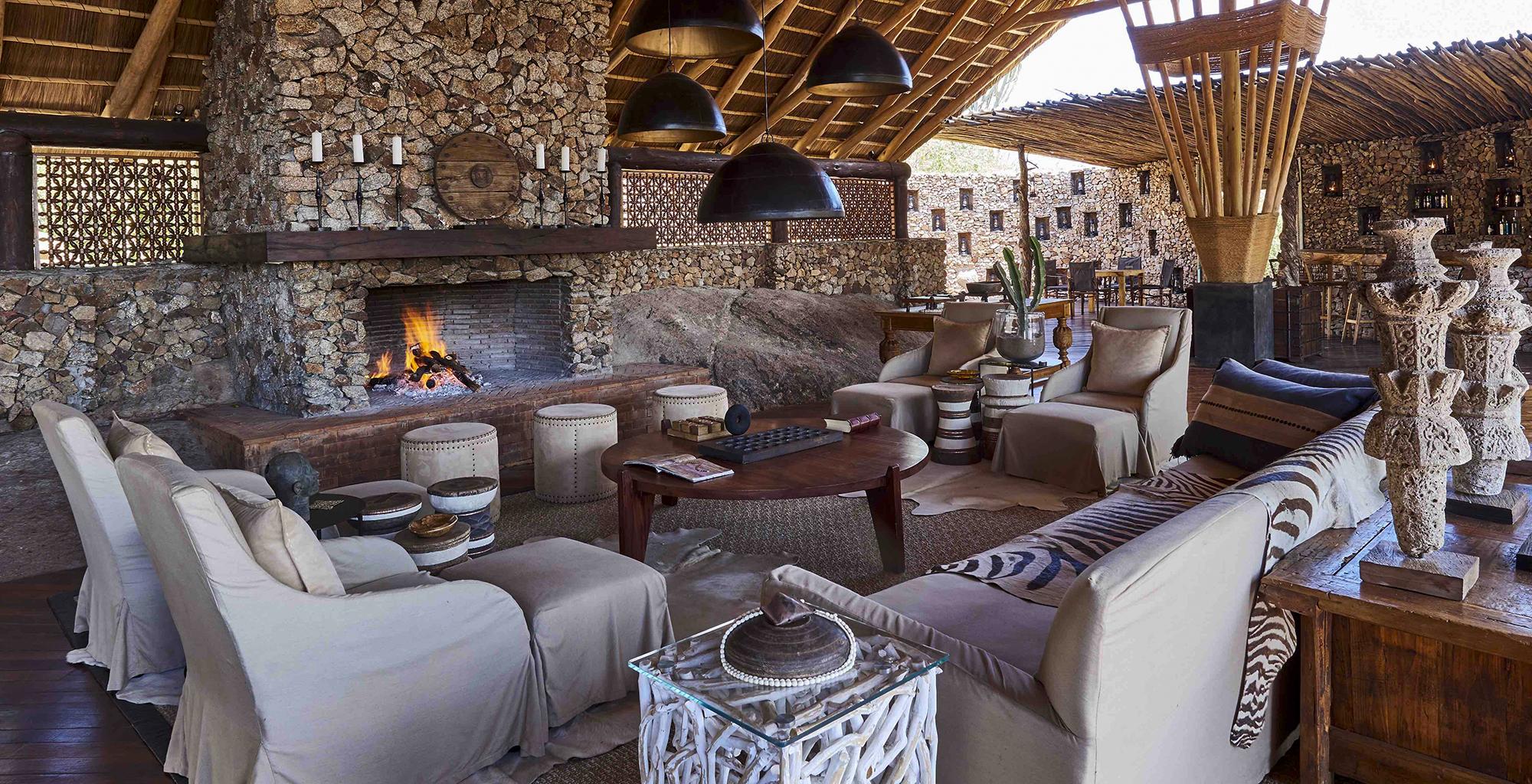 Tanzania-Mwiba-Lodge-Lounge