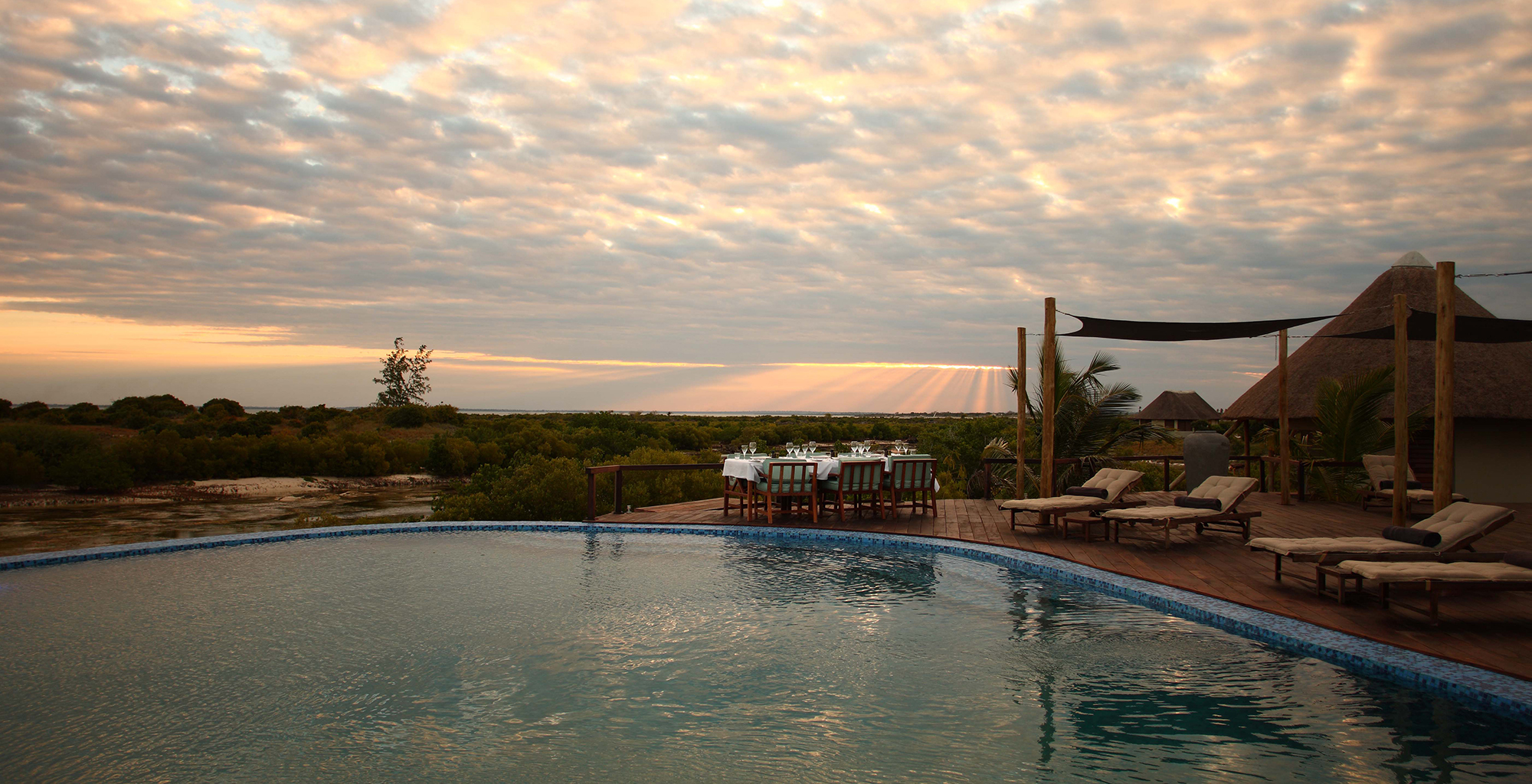 Mozambique-Coral-Lodge-Swimming-Pool