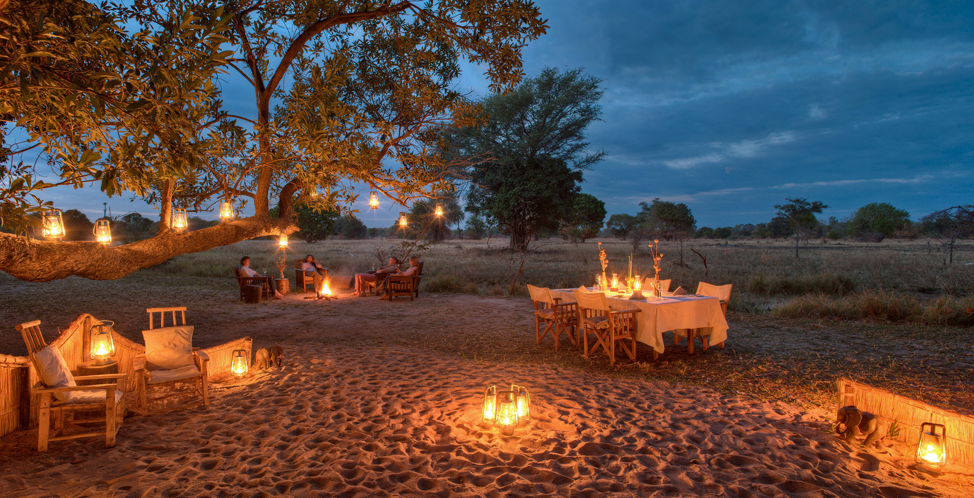 Zambia-Luwi-Camp-Outdoor-Dining