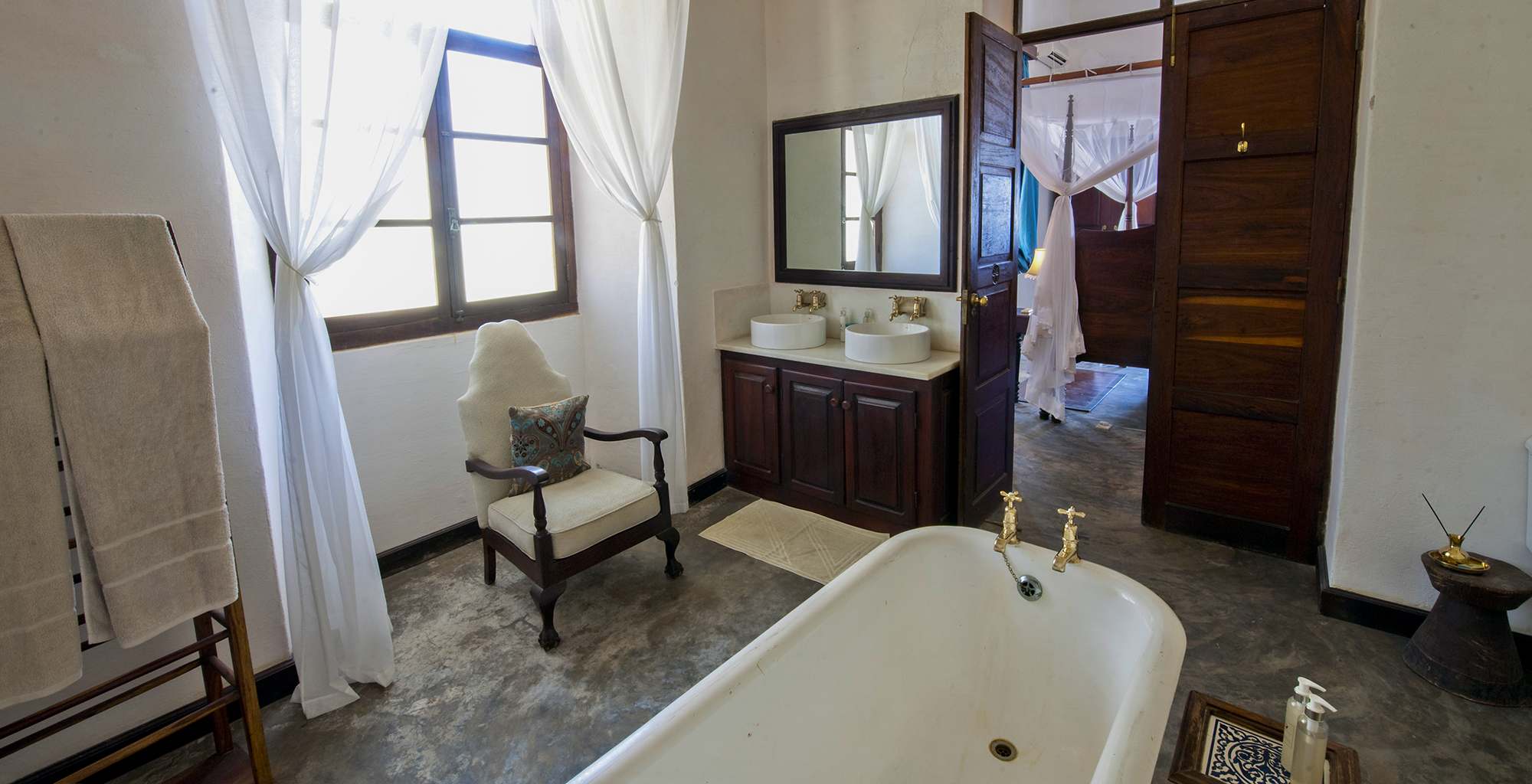 Mozambique-Ibo-Island-Lodge-Bathroom