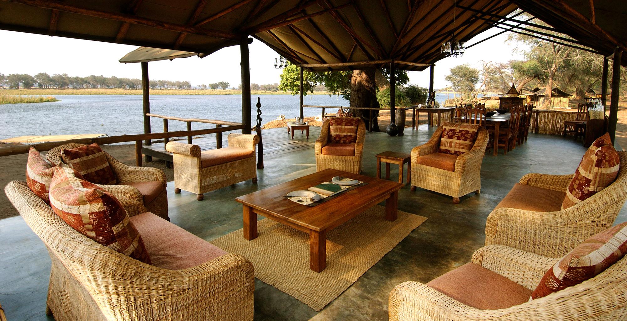 Zambia-Old-Mondoro-Lounge
