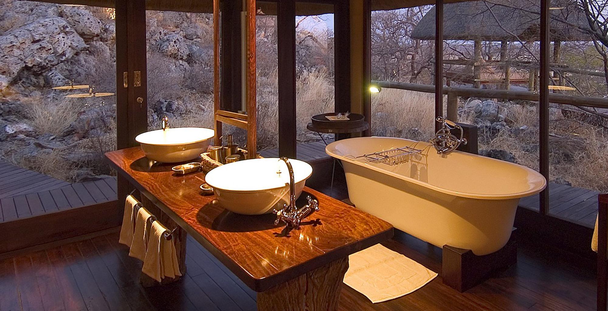 Namibia-Little-Ongava-Lodge-Bathroom