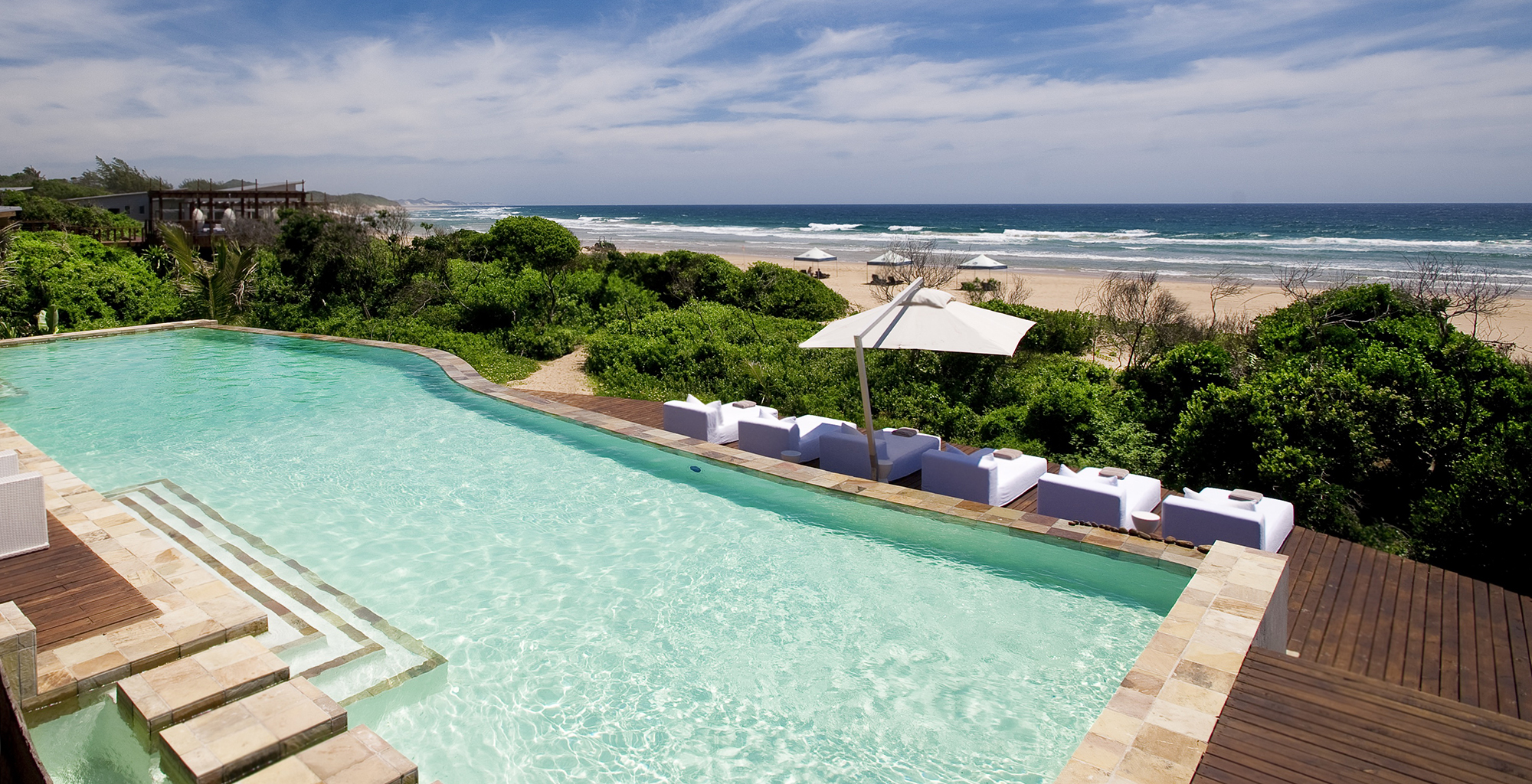 Mozambique-Maputo-Inhambane-White-Pearl-Resort-Swimming-Pool