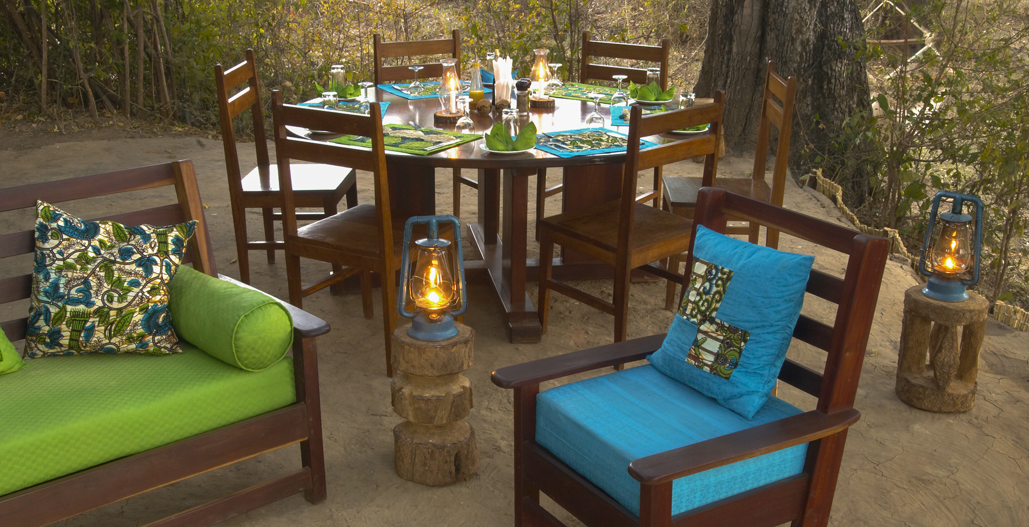 Zambia-Crocodile-Camp-Outdoor-Dining