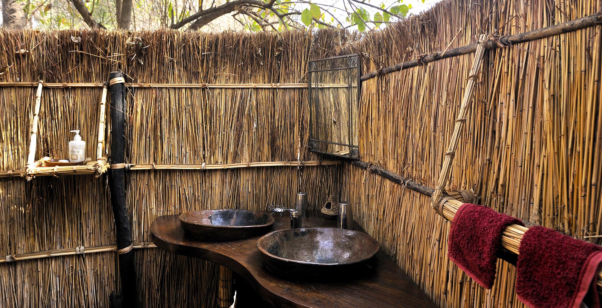 Zambia-Tafika-Camp-Bathroom