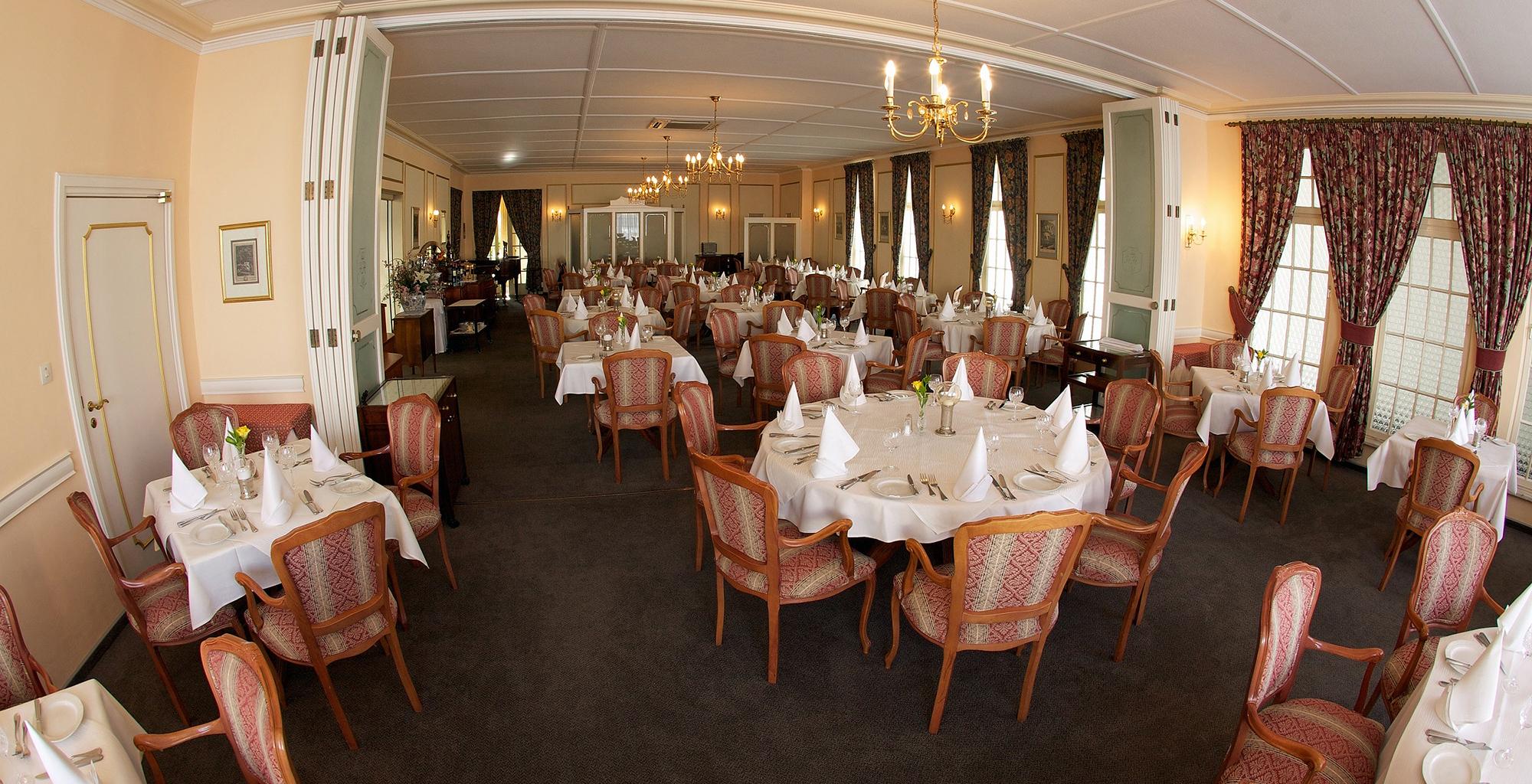 Namibia-Hansa-Hotel-Dining-Room