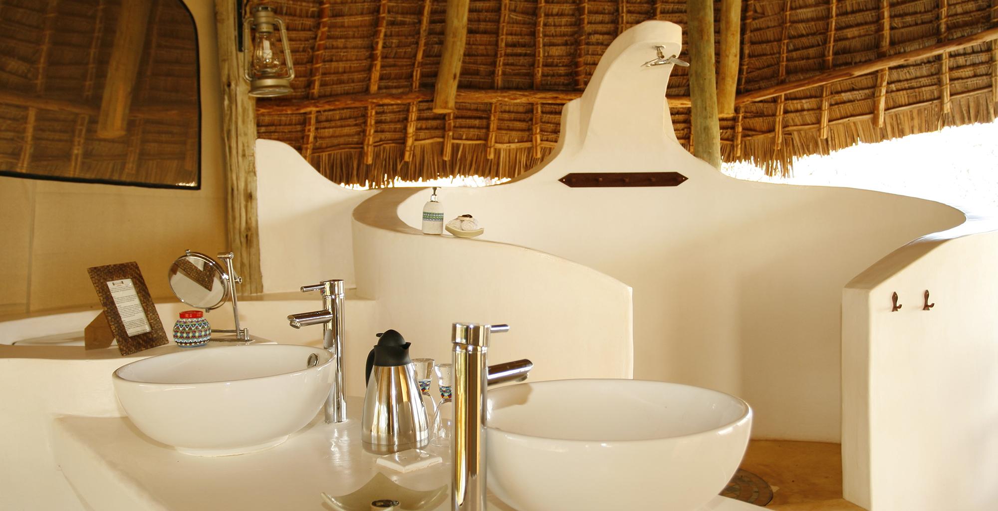 Kenya-Sasaab-Camp-Bathroom