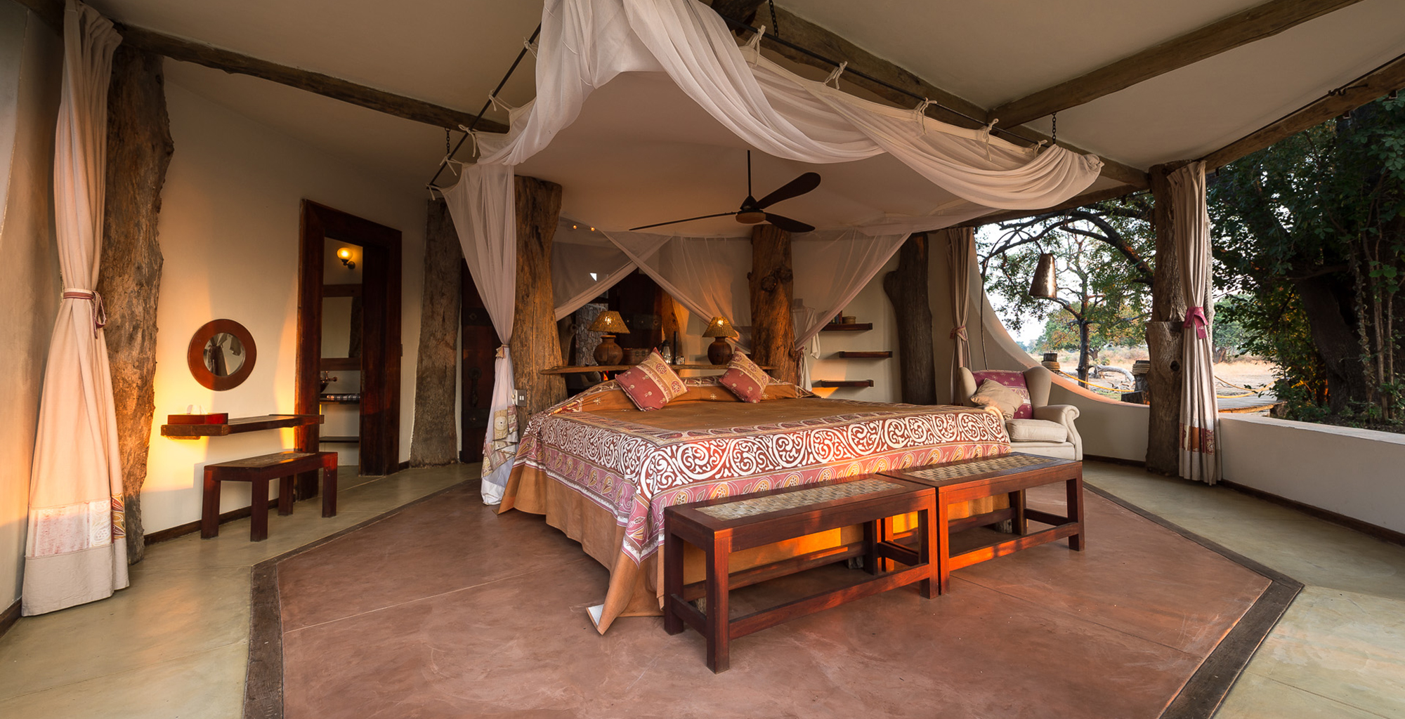 Zambia-Luangwa-Safari-House-Bedroom