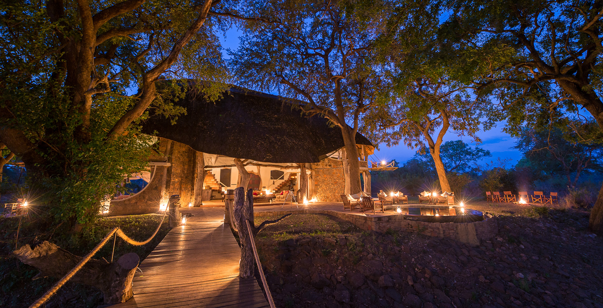 Zambia-Luangwa-Safari-House-Exterior-Path