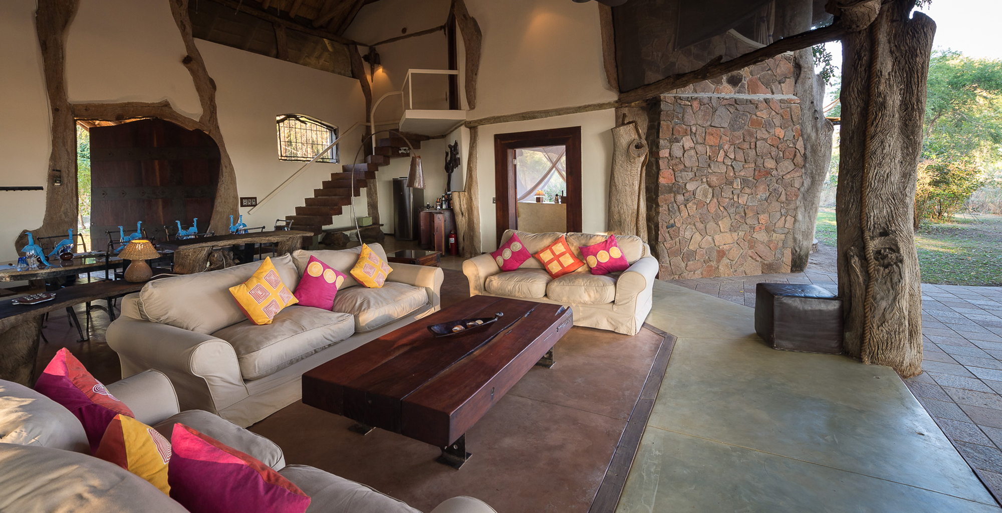 Zambia-Luangwa-Safari-House-Lounge