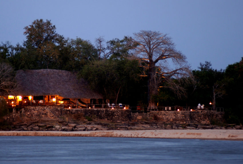 Tanzania-Sand-Rivers-Exterior-by-River