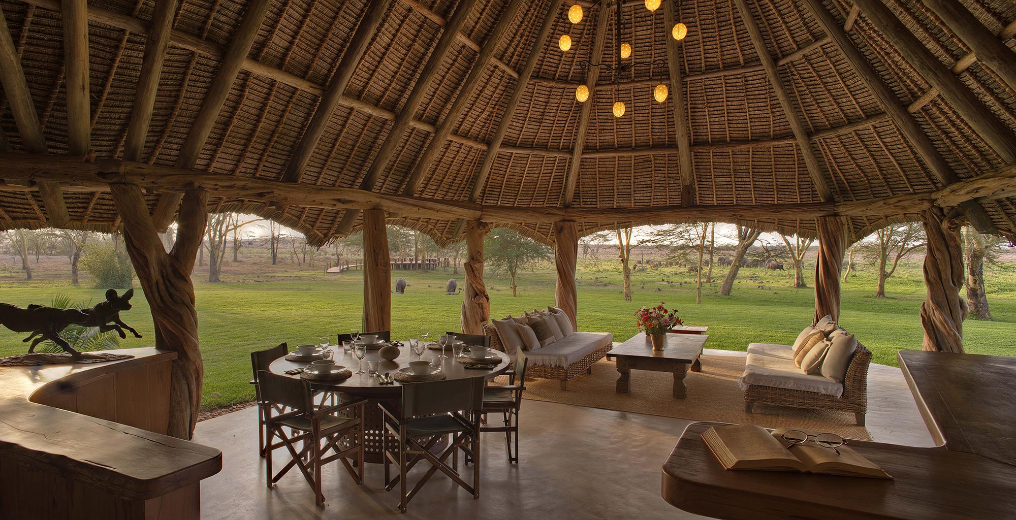 Kenya-Sirikoi-House-Lounge