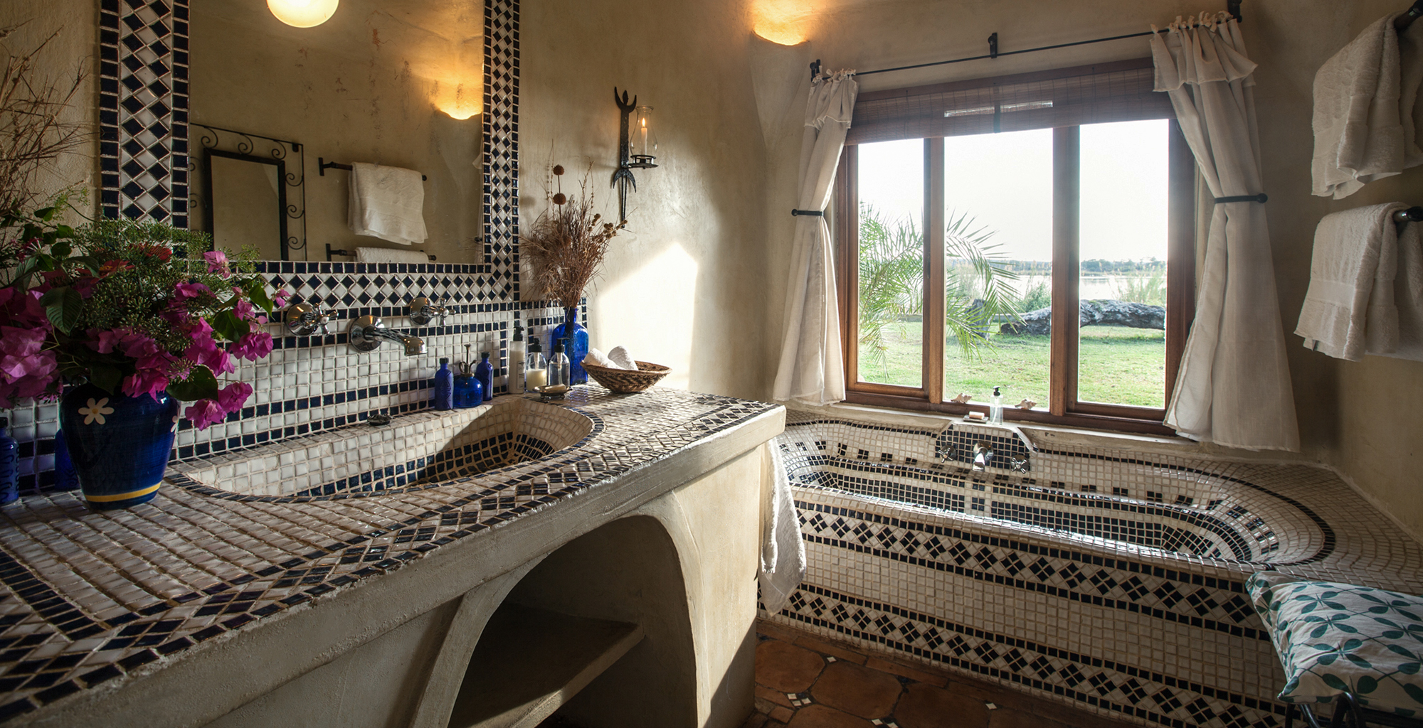 Zambia-Tangala-House-Bathroom