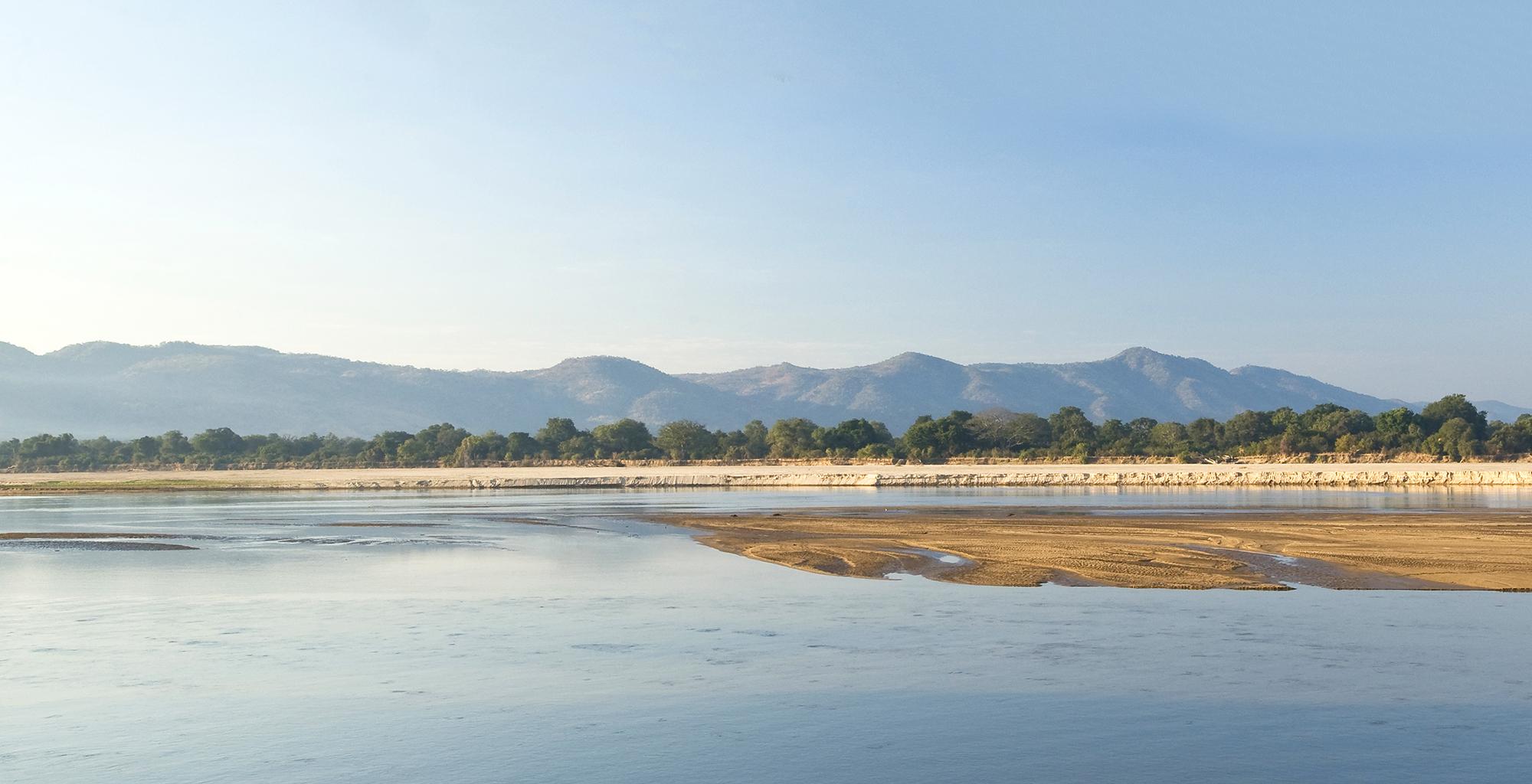 Zambia-Chamilandu-Bushcamp-Landscape