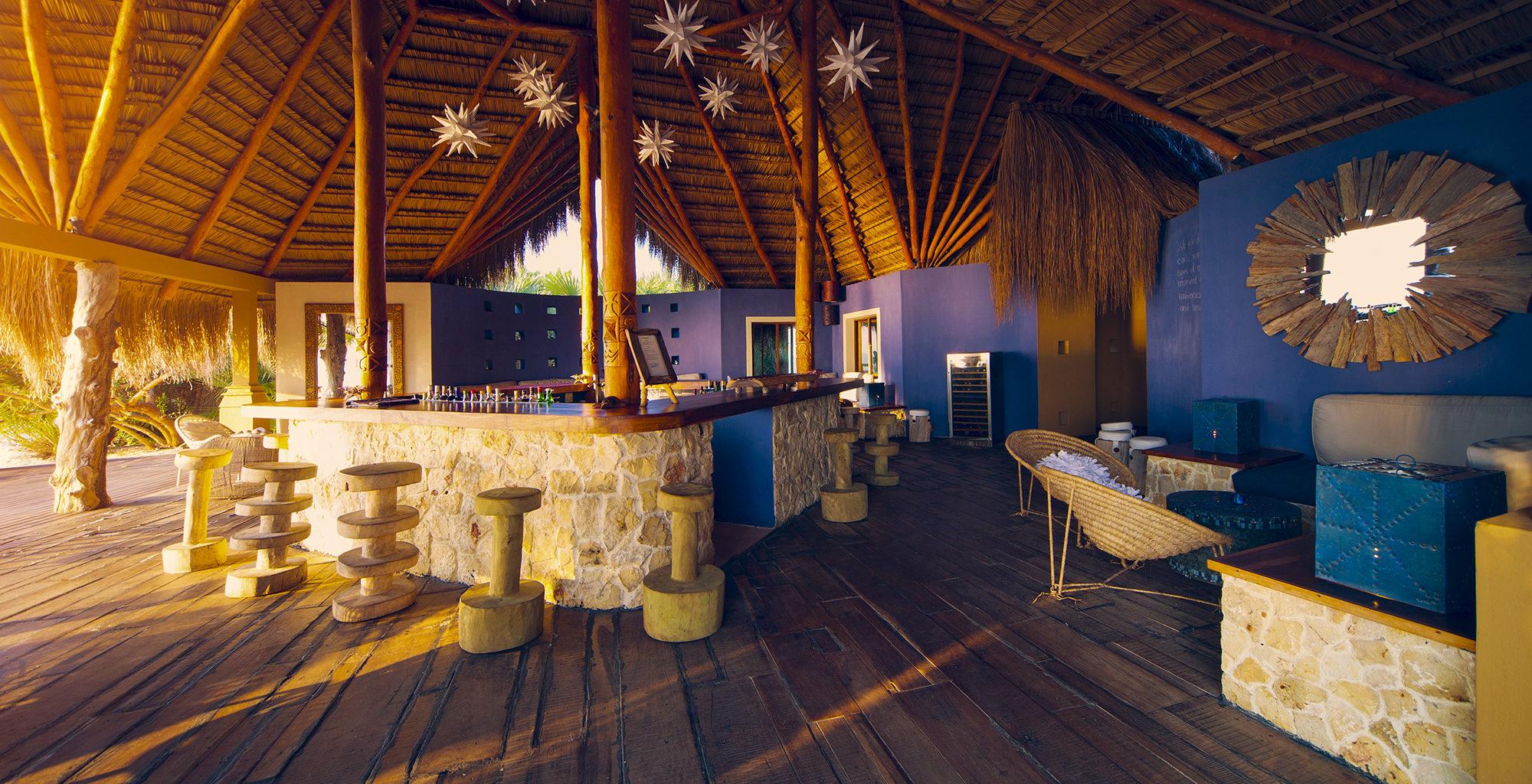Mozambique-Bazaruto-Archipelago-Azura-Benguerra-Bar