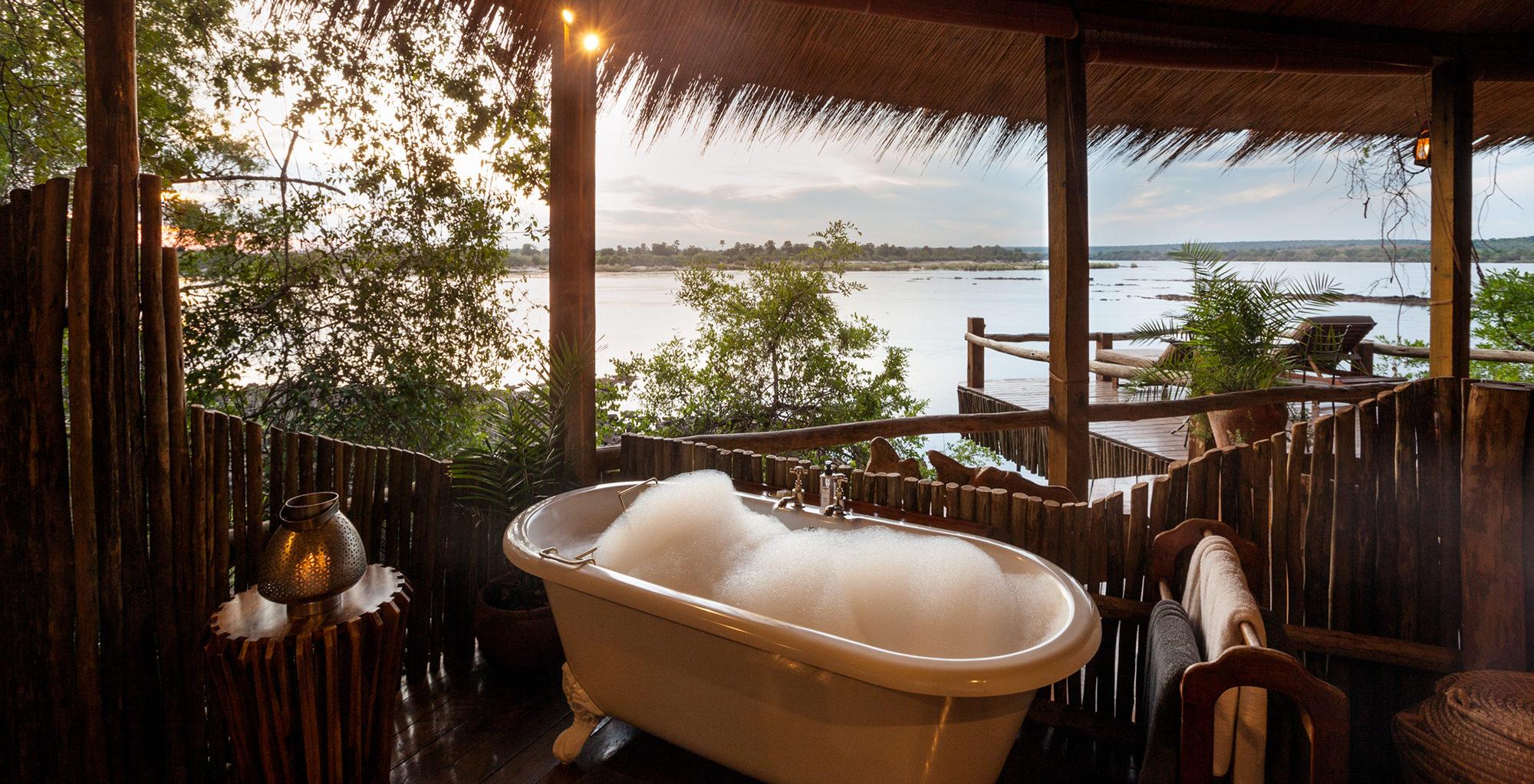 Zambia-Tongabezi-Lodge-Bathroom