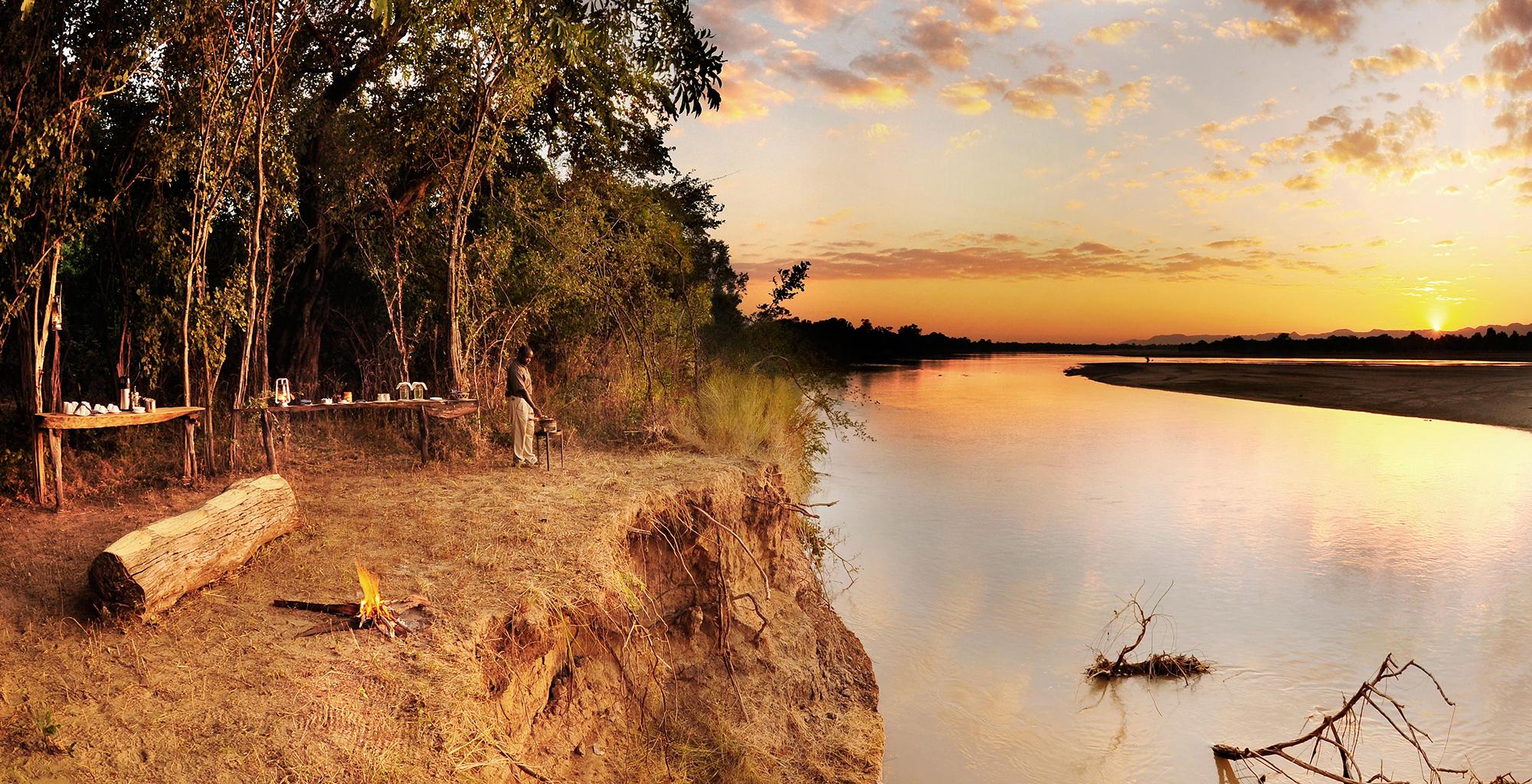 Zambia-Bilimungwe-Bushcamp-River-Sunset