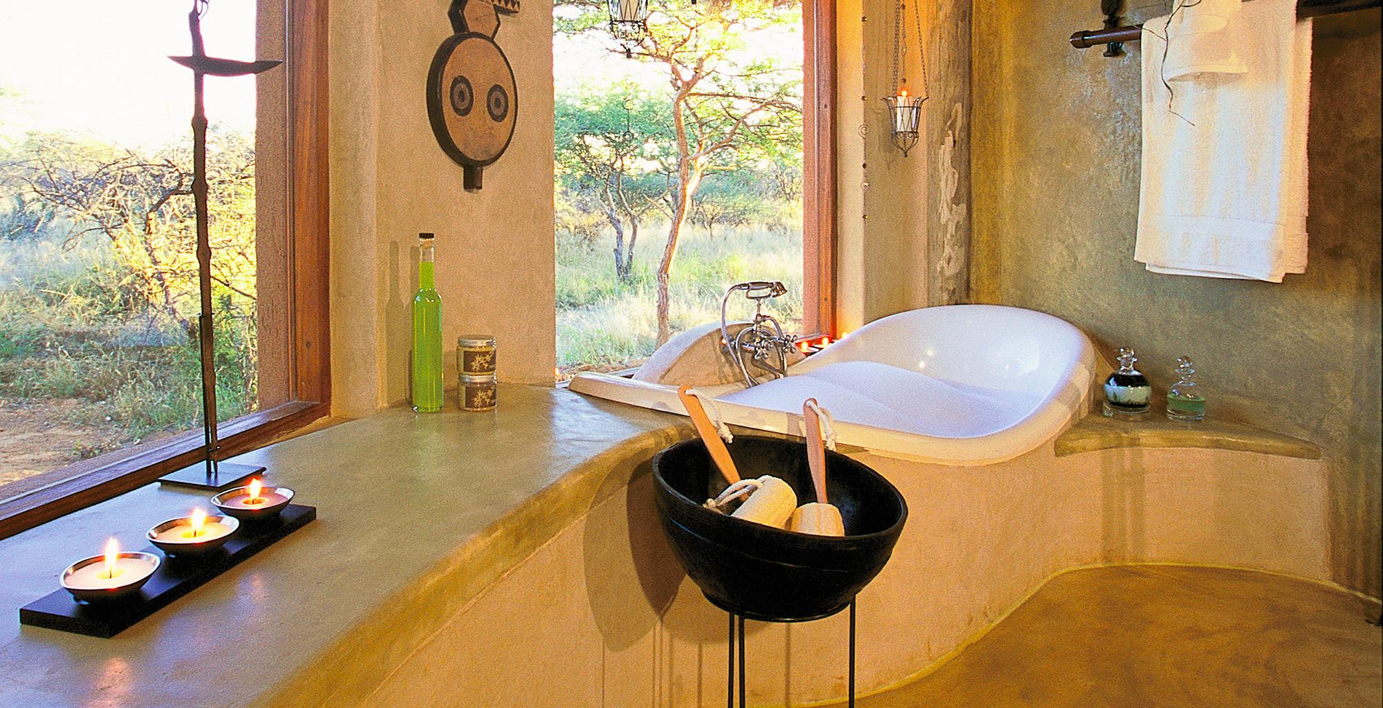 Namibia-Okonjima-Bush-Suite-Bathroom