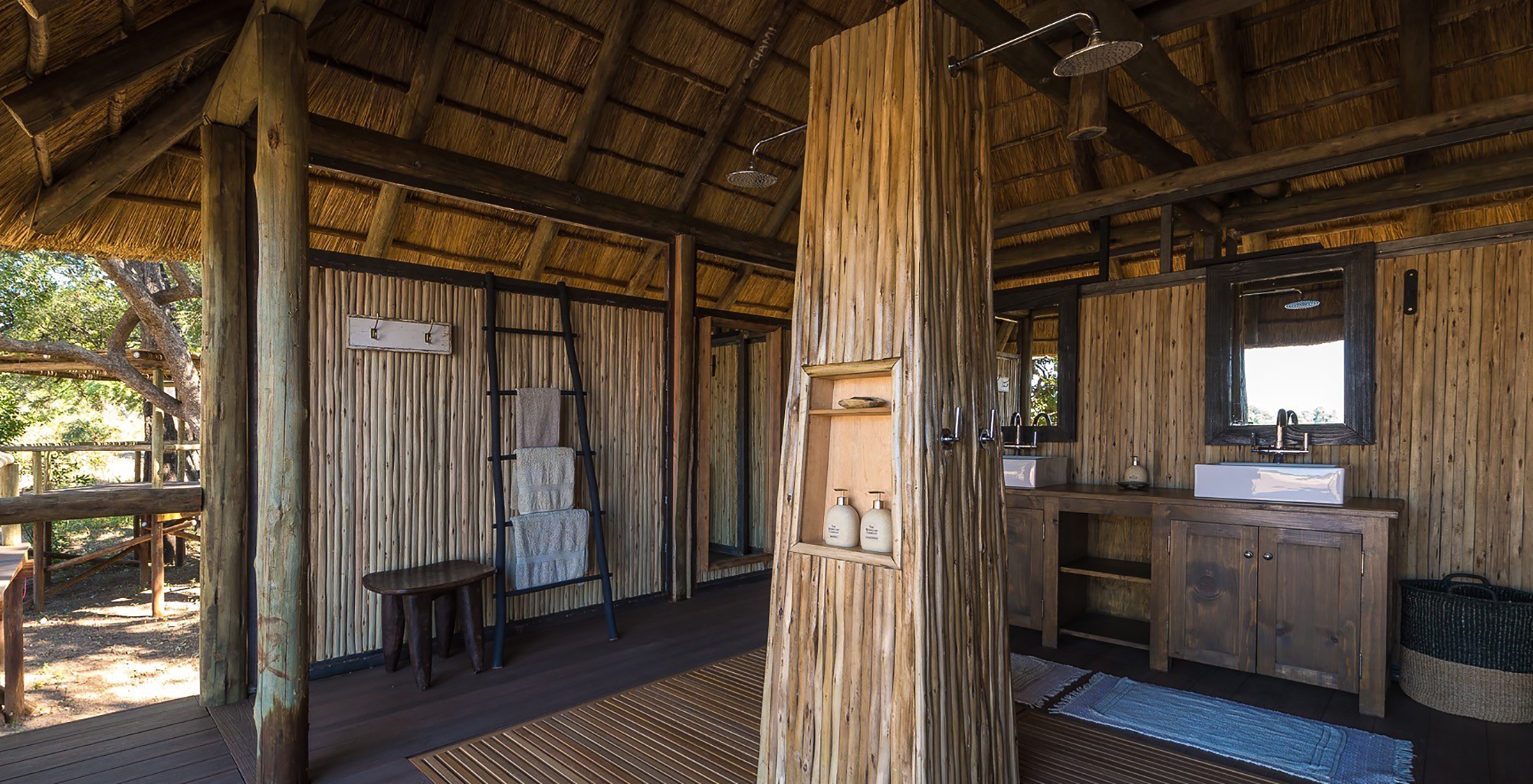 Zambia-Chamilandu-Bushcamp-Bathroom