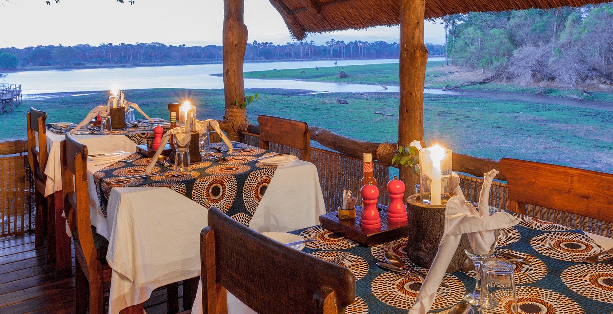 Malawi-Liwonde-National-Park-Mvuu-Lodge-Dining