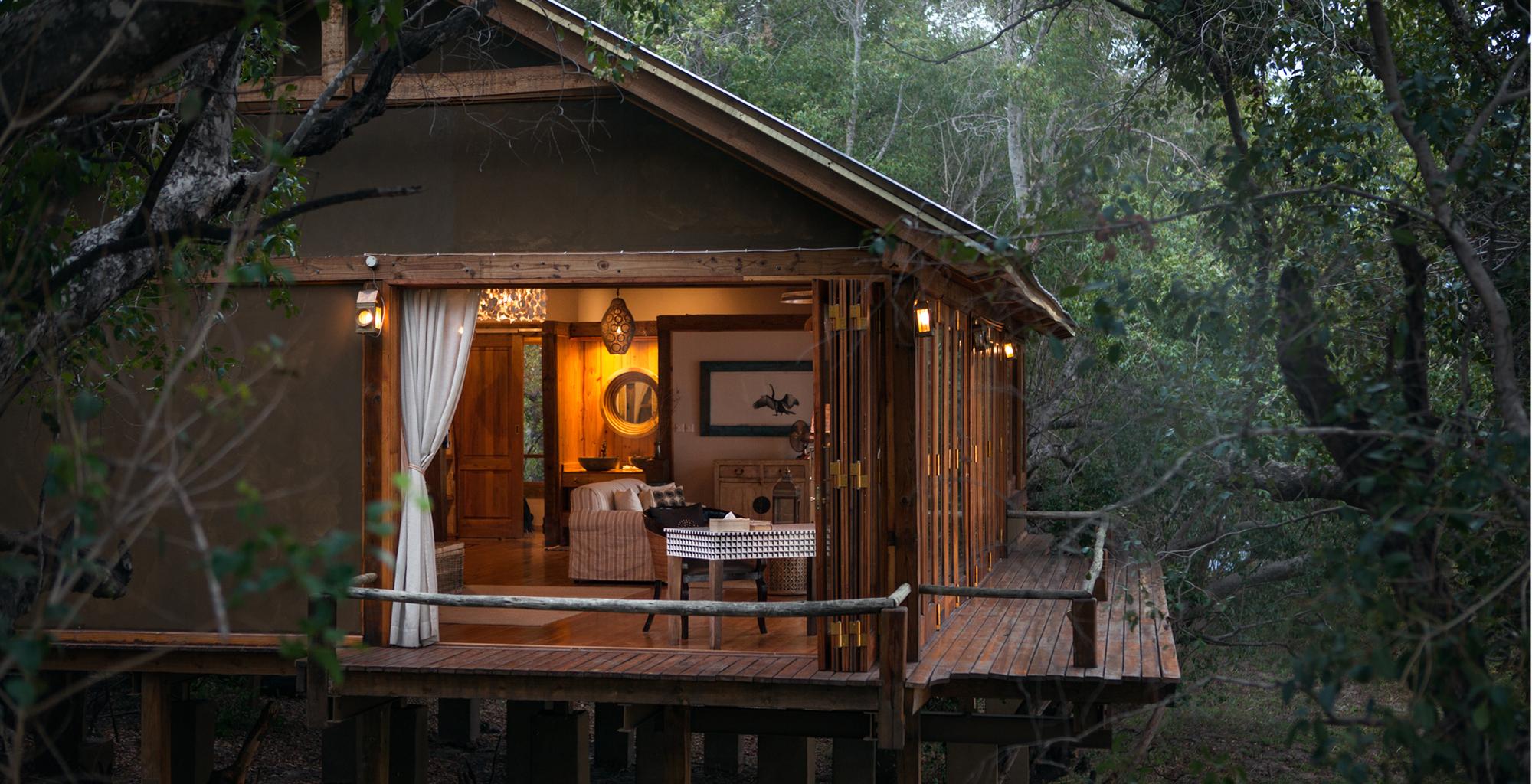 Zambia-Tongabezi-Lodge-Exterior